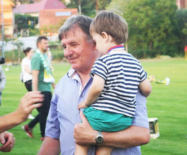 Pre Ondreja Kozolku je futbal ako štvrté dieťa.