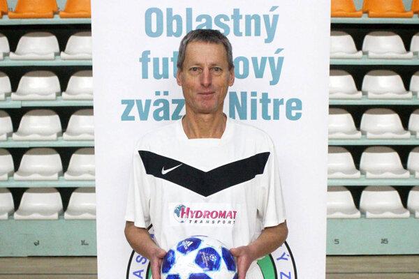 Imrich Csekey z Pane je spolu s Miroslavom Kováčom z Ladíc najstarším hráčom v regióne. Obaja sa narodili v roku 1954.
