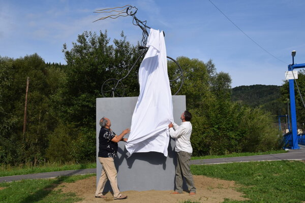 Odhalenie monumentu Kolesá radosti.