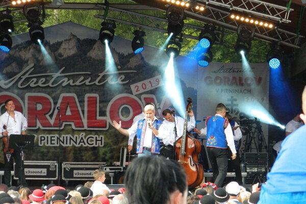 Stretnutie Goralov každoročne láka čoraz viac nadšencov a priaznivcov folklóru a dobrej hudby.