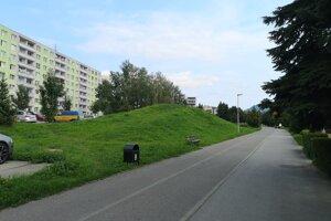 Podľa pôvodných plánov by malo vyrásť parkovisko v blízkosti Mukačevskej ulice.
