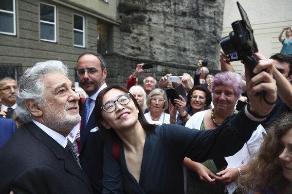 Plácido Domingo pred operou v Salzburgu.