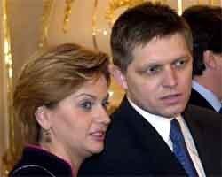 r. fico s generálnou manažérkou strany smer monikou beňovou. foto: pavol funtál/tasr