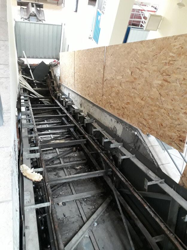 Nefunkčné eskalátory nahradia nové.