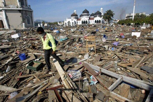 Sumatru zasiahla cunami v roku 2004.