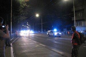 Cestu I/66 cez Banskú Bystricu večer uzatvorili.