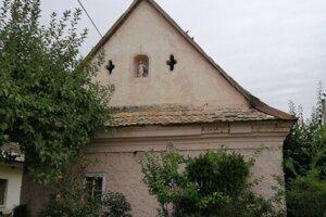 Svätý na fasáde sa dávali na dom preto, aby ho ochránili pred bleskom.