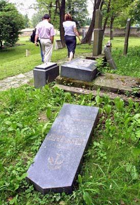 židovský cintorín vo zvolene.