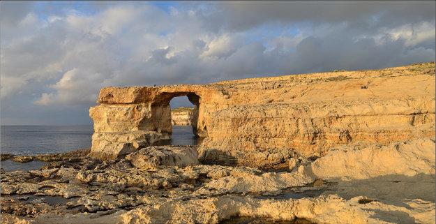 Legendárne Azúrové okno je na Malte vyhľadávanou prírodnou zaujímavosťou.
