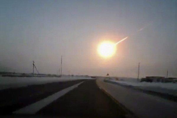 Zhruba pätnásťmetrový asteroid vystrašil vo februári Rusko.