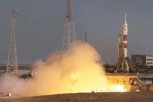 Raketa Sojuz štartuje z kozmodrómu Bajkonur.