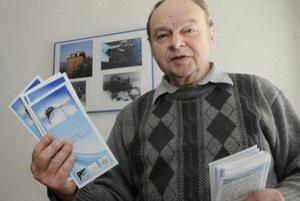 Prof. Ing. Karel Kudela DrSc. (1946) je fyzik, pracuje na Ústav experimentálnej fyziky SAV v Košiciach. Vyštudoval Jadrovú a fyzikálno-inžiniersku fakultu ČVUT Praha, pôsobil v Rusku, USA, Kanade, Japonsku či Švajčiarsku. V roku 2006 dostal Čestnú pla