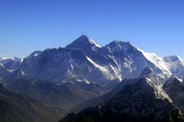 Aký vysoký je Mount Everest?