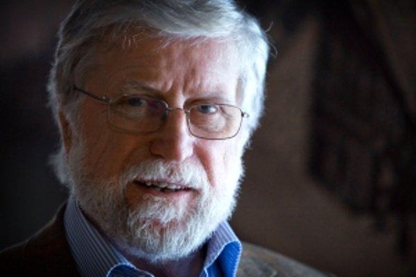 Doc. Ing. Ivan M. Havel, PhD (1938) je šéfredaktorom časopisu Vesmír. Je vedeckým pracovníkom, a zároveň bývalým riaditeľom českého Centra pre teoretické štúdiá, ktorá je spoločným pracoviskom Univerzity Karlovy a Akadémie věd ČR. Vyštudoval Elektrotechni