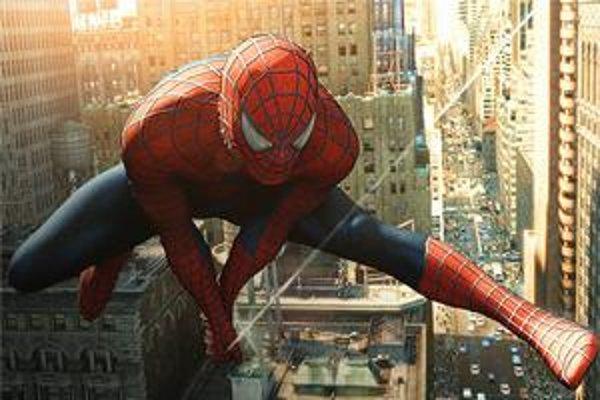 Spiderman používal supervlákno. Vedci sa mu teraz priblížili.