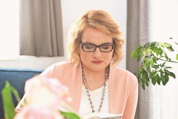 Svoju kariéru v zahraničí začínala ako aupairka. Súčasné zamestnanie jej umožňuje plniť si svoj sen a písať knihy.