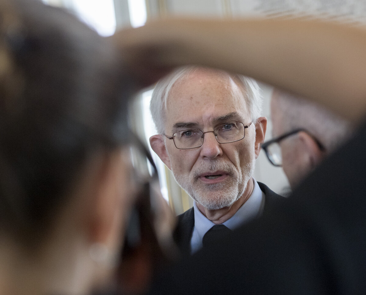 Medzinárodnú cenu Slovenskej akadémie vied si prevzal Mark Hillery - SME