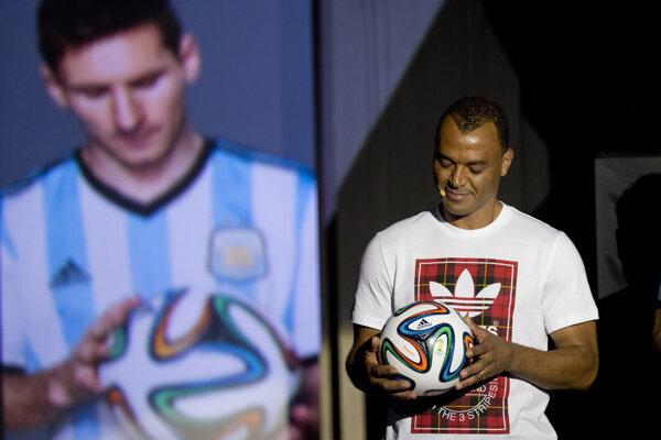 Bývalý brazílsky futbalista Cafu.