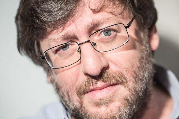 Petr Weiss (1954) je český sexuológ, klinický psychológ a psychoterapeut. Narodil sa v Levoči, no žije a pôsobí v Prahe. Zaoberá sa sexuálnymi dysfunkciami, deviáciami, transsexualitou, partnerskými vzťahmi a psychoterapiou.vyučuje na Katedre psychológie na Karlovej univerzite. V domácich a zahraničných odborných časopisoch publikoval vyše 500 odborných článkov a o sexualite doposiaľ napísal už 15 kníh.