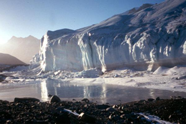 Kanadský ľadovec v antarktickom Wright Valley.