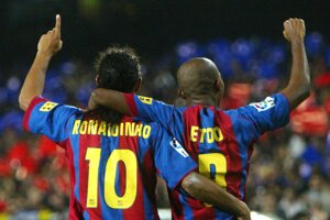 Ronaldinho a Samuel Eto'o v drese FC Barcelona.
