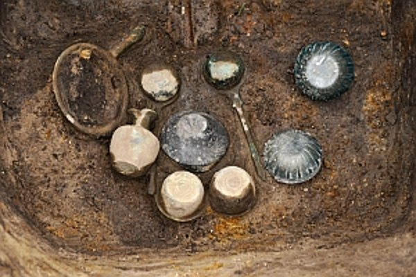 Unikátny hrob germánskeho náčelníka z 1. storočia sa podarilo nájsť archeológom pri Bratislave.