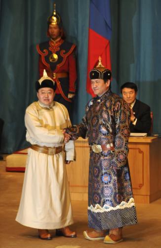 mongolsky-prezident_tasrap.jpg