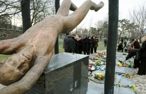 pamiatka-vojakov-hejce3_tasr.jpg