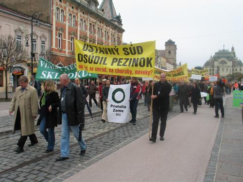 protest_pezinok_5_sme.jpg