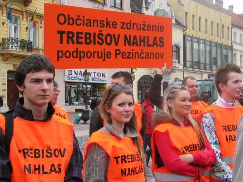 protest_pezinok_3_sme.jpg