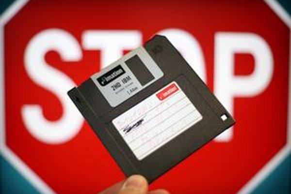 Diskety po štyroch desaťročiach končia.