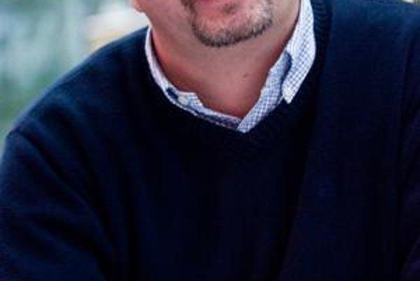 Ján Kolimár sa narodil 31. marca 1968 v Šali. Do roku 1992 študoval na Slovenskej technickej univerzite v Bratislave. Je generálnym riaditeľom Nokie pre Česko, Maďarsko, Poľsko, Rumunsko a Slovensko. V minulosti pracoval pre Slovenskú televíziu, komunikač