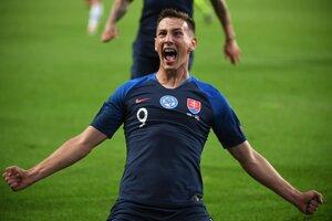 Róbert Boženík a jeho gólová radosť v zápase kvalifikácie na EURO 2020 Maďarsko – Slovensko.