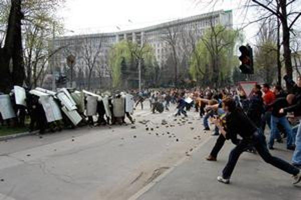 Cez mikroblog Twitter organizovali protesty v Moldavsku.