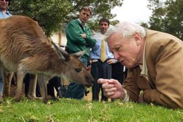 Sir David Attenborough je milovníkom zvierat.
