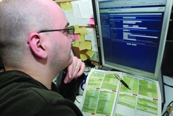 Po zložitých výpočtoch sumy pošlete peniaze jednoducho cez internet.