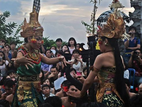 indonezia-tanec_r21_res.jpg