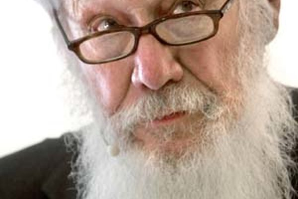 Robert Aumann je profesorom Centra štúdia racionality Hebrejskej univerzity v Jeruzaleme.