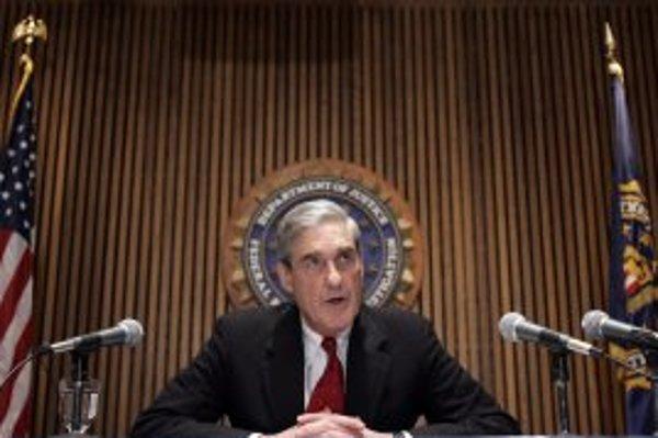 Riaditeľ amerického federálneho vyšetrovacieho úradu FBI Robert Müller (na snímke) nemá finančné toky na odpočúvanie celkom pod palcom.