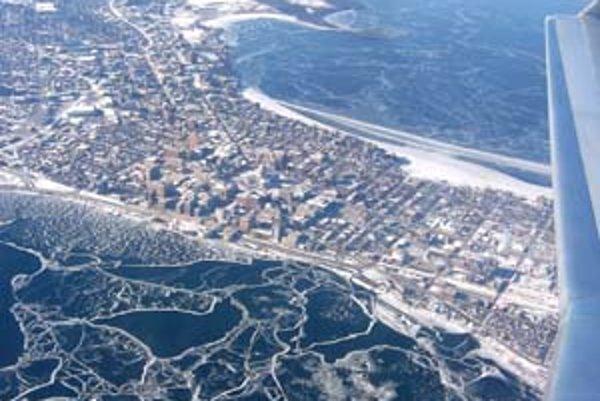 Zo Severného ľadového oceánu mizne hrubý viacročný ľad.