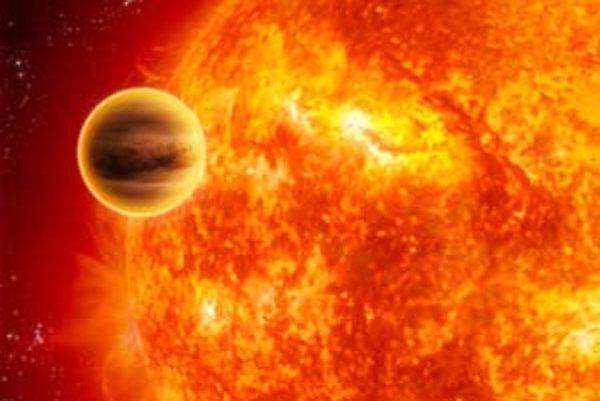 Umelecká vízia mimoslnečnej planéty HD 189733b pri tranzite pred