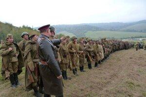 Rekonštrukcia bojov z druhej svetovej vojny.