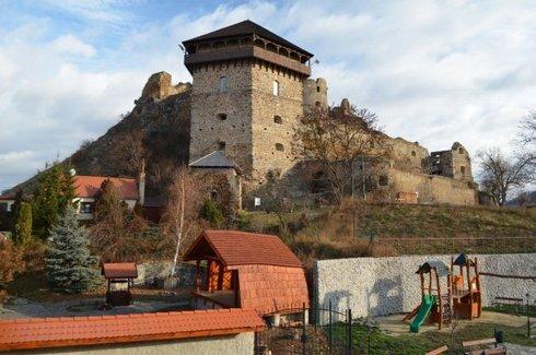 hrad-filakovo--1-_res.jpg