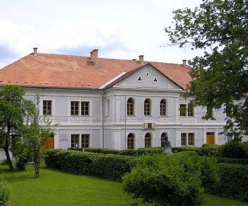 prve_slovenske_gymnazium_r5105.jpg