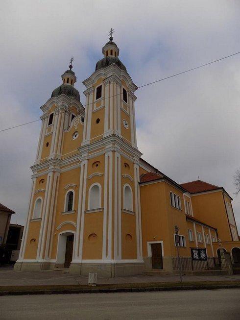 farsky-kostol-na-namesti-hrdinov_r7604_res.jpg