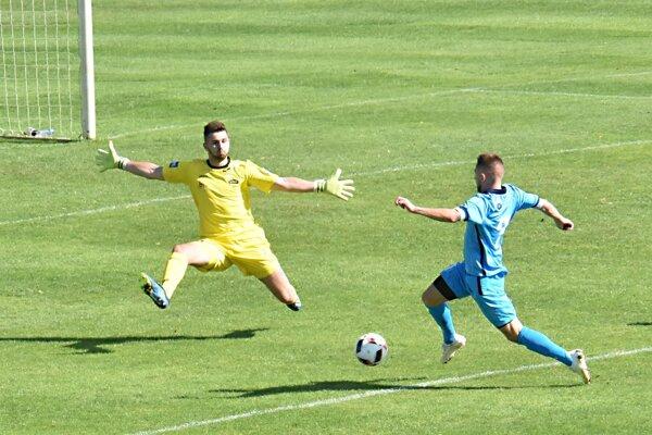 Zápas III. ligy medzi Duslo Šaľa a FC Nitra B sa skončil remízou.