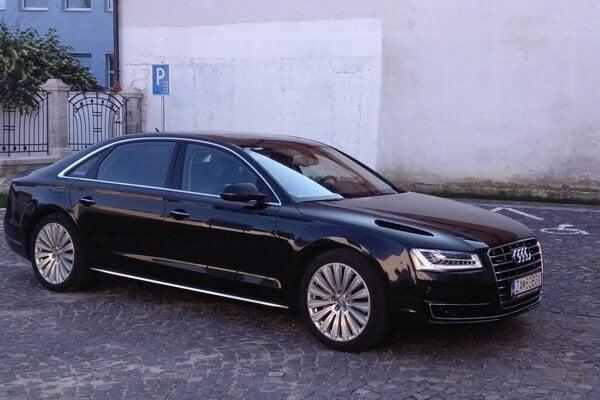 Luxusné auto, ktoré využíval exprimátor Žiliny, sa bude predávať.