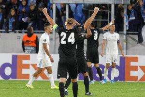 Radosť hráčov Besiktasu po vyrovnaní.