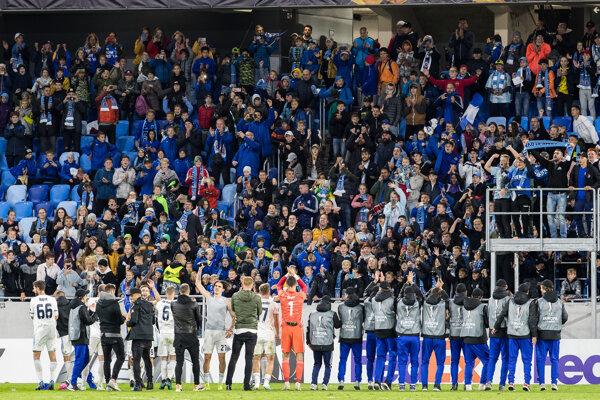 Futbalisti ŠK Slovan Bratislava po zápase proti Besiktasu Istanbul.