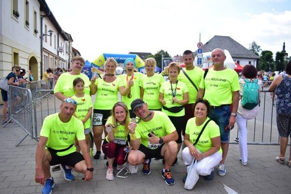 Monikini kolegovia bežali za Gabiku a všetkých ľudí, ktorí trpia onkologickým ochorením maratón.